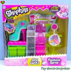 Can't wait to watch her video! ・・・ *NEW* Shopkins Shoe Dazzle - Fashion Spree Shopkins Shoes, New Shopkins, Shopkins Gifts, Shopkins Ideas, Shopkins Fashion Spree, Shopkins Playsets, Shopkins Season 3, Play Shoes, Moose Toys