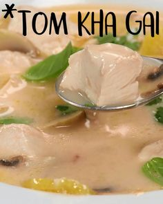 This Thai coonut soup is WAY better than takeout Thai Chicken Coconut Soup (Tom Kha Gai), easy, recipe soup healthy recipes rezepte soup soup Chicken Coconut Soup, Thai Coconut Soup, Thai Chicken, Thai Soup, Coconut Soup Recipes, Thai Thai, Tofu Recipes, Keto Chicken, Recipies