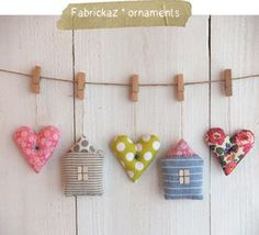 fabrickaz: Zakka Ornaments - adore this idea! Felt Crafts, Diy And Crafts, Arts And Crafts, Sewing Crafts, Sewing Projects, Craft Projects, Fabric Hearts, Ideias Diy, Creation Couture