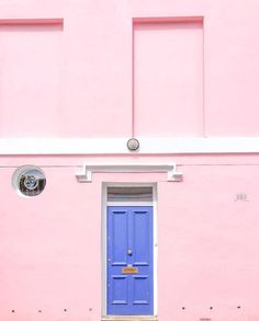 This building gets me. #neverenoughpink  by @rebeccanewport in #dspink
