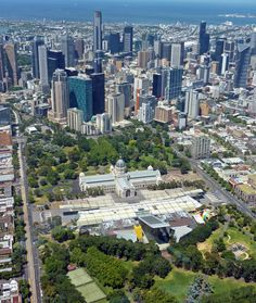 The heritage listed Royal Exhibition building with the Melbourne Museum in the foreground.