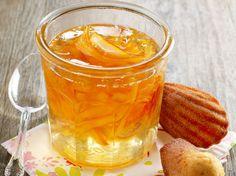 marmelade d'oranges amères  À la mode anglaise, une vraie marmelade au goût corsé avec des petits morceaux d'écorce fondants. Et comme la saison des oranges amères est courte (janvier...