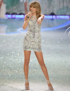 Taylor Swift at Victoria's Secret Fashion Show 2013. Love her Swarovski crystal minidress!
