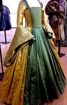 HISTORY GREEN DRESS