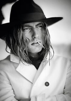 Les mannequins de Vogue Hommes International printemps-été 2014 Viggo Jonasson Boo George Beat Bolliger