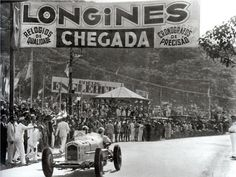 TEMPORADA DE 1936 - Manuel de Teffé recebendo a bandeirada de chegada no GP Cidade do Rio de Janeiro - Brasil. Felipe - Álbuns da web do Picasa