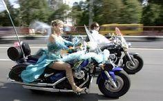 #интересное  Нетрадиционные свадьбы (42 фото)   Забавные и необычные свадьбы, местами, правда провокационные.       далее по ссылке http://playserver.net/?p=122490