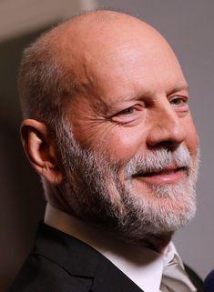 Bruce Willis, Emma Heming, Demi Moore, Best Hairstyles For Older Men, Silver Hair Men, Bald Men Style, Short Beard, Hunks Men, Cinema