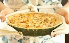 Hot Crab and Artichoke Dip // The perfect fall weather dip... You should serve at your next party.