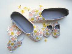 Slippers, Baby Booties and Sleep Mask Set by Molipop Grey Yellow Nursery, Pink Yellow, Baby Slippers, Sleep Mask, Baby Booties, My Design, My Etsy Shop, Floral Prints, Booty