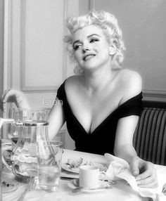 Marylin Monroe- sex symbol of the '50s and the '60!