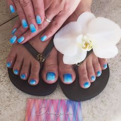 Pretty shades of blue, aren't they? What's your fav ombre color combo for nails?