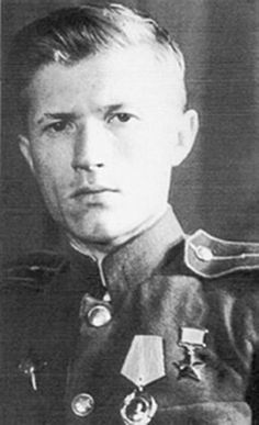 Ivan Sidorenko. The best Allied sniper: 500 confirmed kills. Famous Vasily Zaitsev with 242 kills ranked 47 on the list of the best Russian snipers.