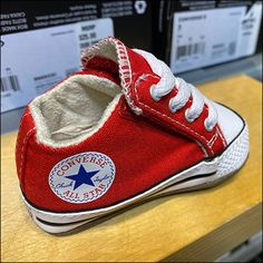 Converse All Star, Retail Merchandising, Baby Sneakers, Overlays, Shelf, Vans, Footwear, Fashion, Moda