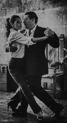 """2.1 Tango Argentino. И пусть весь мир подождет!  Как сказал мой друг: """"Каждый мужчина должен воспитать сына, посадить дерево, построить дом и научиться танцевать танго!"""""""