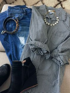 Fall fashion - distressed jeans, check shirt and booties