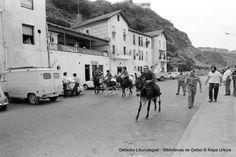 Carrera de burros en fiestas del Puerto Viejo, 1975 (Colección Kepa Urkiza) (ref. KU02057)