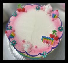 White Buttercream, Buttercream Filling, Frosting, Marble Cake, Holiday Cakes, Round Cakes, Classic Collection, Unicorn Party, Chocolate