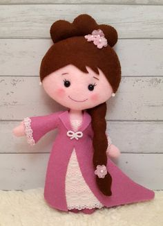 PDF pattern Princess Emma Felt pattern for a doll por SuperSkattig