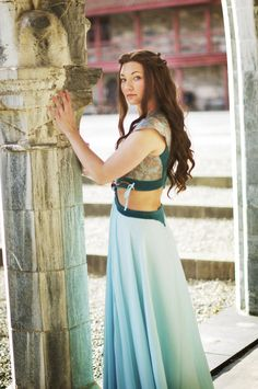 Cosplay so good you won't believe it is cosplay: Margaery Tyrell in a Game of Thrones