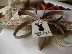 Holiday Wrapping Label (DIY - Toilet Paper Roll Wreath is most of the post). This is a really cute idea for labeling holiday gifts. All Things Christmas, Christmas Fun, Christmas Ornaments, Christmas Presents, Rustic Christmas, Toilet Paper Roll Crafts, Paper Crafts, Diy Paper, Rolled Paper Art