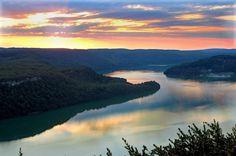 Coucher de soleil sur le Lac de Vouglans | Jura, France | #JuraTourisme