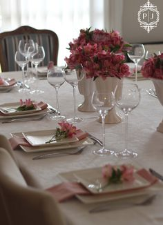 Lunch table setting in white & pink.