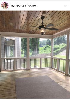 Were getting out of the cooking location today, as well as likewise right into the screened in porch. Im sharing screened in porch ideas on precisely how to take advantage of a tiny spending plan. Back Porch Designs, Screened Porch Designs, Screened In Deck, Screened Porches, Front Porch, Screened Porch Decorating, Enclosed Porches, Covered Back Porches, Home Porch
