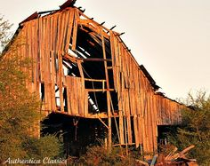 Love this shot of a (sadly) falling down barn in Dahlonega, GA Old Abandoned Buildings, Old Buildings, Country Barns, Old Barns, Grain Silo, Old Farm Houses, Building Structure, Cabins And Cottages, Architecture Old