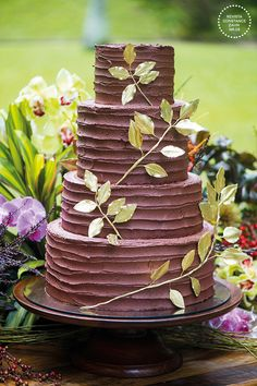 chocolate wedding cakes with strawberries Floral Wedding Cakes, Fall Wedding Cakes, Wedding Cakes With Flowers, Brunch Wedding, Wedding Cake Designs, Wedding Desserts, Wedding Cake Toppers, Flower Cakes, Floral Cake