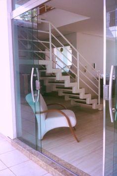 Different perspective - home design - white on white - Brazil