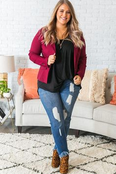 In The Limelight Blazer with bootcut Jean's Stylish Work Outfits, Fall Outfits For Work, Business Casual Outfits, Curvy Outfits, Casual Fall Outfits, Fall Winter Outfits, Plus Size Outfits, Fashion Outfits, Girl Outfits