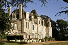 Le Château de Curzay, Relais & Châteaux, Poitou-Charentes. Un château du 18è siècle, où vous passerez des moments d'intimité, d'émotions, de gourmandises et de liberté dans un parc de 120 hectares. A vous de créer vos souvenirs heureux…