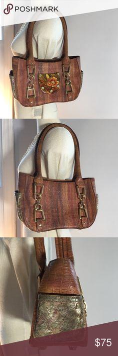 8996969b21 Debbie Brooks New York Italian Leather Day Bag This beautiful pre-owned  designer shoulder bag
