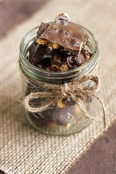 Christmas chocolate with crushed gingerbread cookies, walnuts and raisins.
