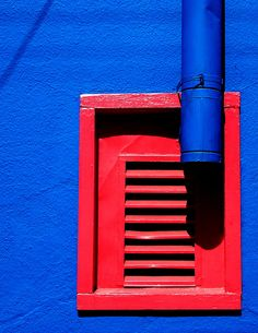 windows WoW - Contrasting by Darwin Bell, via Flickr