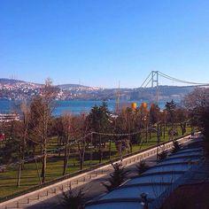Sendromsuz bir pazartesi için muhteşem boğaz manzarası eşliğinde keyifli bir gün geçirmeniz için sizleri #Koruİstanbul'a bekliyoruz! ✨ For a syndrom free monday, a gorgeous Bosphorus view and a joyful day, we wait you at #KoruIstanbul! ✨