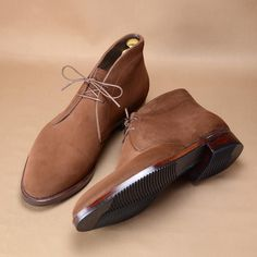 Chukka boots in snuff suede with Clipper sole. #hiroyanagimachi #bespoke