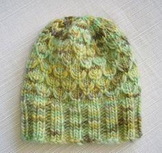 Free Pattern: Mock Honeycomb Baby Hat