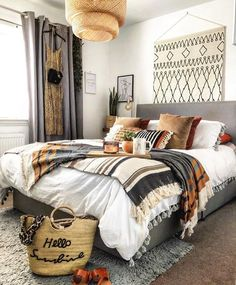 Bohemian minimalist bedroom design with urban outfitters ideas 1 Bohemian Bedroom bedroom Bohemian Design ideas Minimalist outfitters Urban Dream Rooms, Dream Bedroom, Home Bedroom, Bedroom Ideas, Bedroom Designs, Modern Bedroom, Tribal Bedroom, Bedroom Inspiration, Girls Bedroom