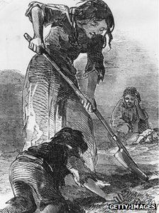 What Happened During the Great Irish Famine?: A starving family digging for potatoes, as depicted in the Illustrated London News in 1847 The Irish Potato Famine, Irish Famine, Society Problems, Irish Potatoes, Orphan Girl, Old Irish, Irish Culture, Fact Families, Irish American