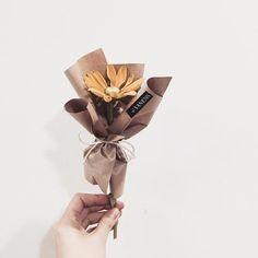 . Lesson Order Katalk ID vaness52 E-mail vanessflower@naver.com . #vanessflower #vaness #flower #florist #flowershop #handtied #flowergram #flowerlesson #flowerclass #바네스 #플라워 #바네스플라워 #플라워카페 #플로리스트 #꽃다발 #부케 #원데이클래스 #플로리스트학원 #화훼장식기능사 #플라워레슨 #플라워아카데미 #꽃수업 #꽃스타그램 #부케 #花 #花艺师 #花卉研究者 #花店 #花艺 . . #미니다발 #한송이다발