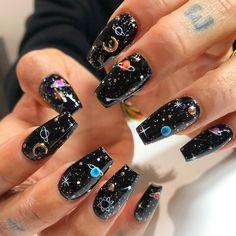 More galaxy nails. La Nails, Edgy Nails, Pointy Nails, Stylish Nails, Rock Nails, Coffin Nails, Nail Swag, Witchy Nails, Acylic Nails