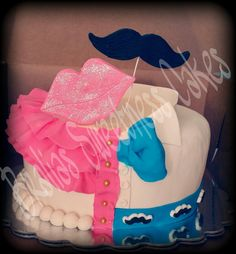Mustache and lips cake!!