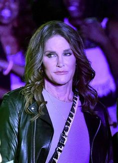 Caitlyn Jenner Overwhelmed With Candis Cayne? Wants To Slow Down Relationship? - http://asianpin.com/caitlyn-jenner-overwhelmed-with-candis-cayne-wants-to-slow-down-relationship/