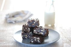 Fudgy Chocolate & Marie Biscuit Squares - Bits Of Carey Chocolate Biscuits, South African Recipes, Cookie Time, Dessert Recipes, Desserts, Squares, Sweet Tooth, Sweet Treats, Favorite Recipes