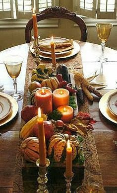 WELCOME AUTUMN!!  A Center piece decoration...for my big farm house table