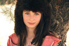 Model: Rachel. My website: http://e.g.crimsonharmony.portfoliobox.me/