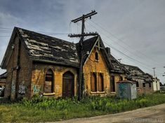 Abandoned Train Station Ingersoll (1)