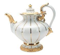 """Teapot, Shape """"X-Form"""", Gold (bronze coloured), light, V l - (very interesting website! Teapots Unique, Vintage Teapots, Cafetiere, Bronze, Teapots And Cups, My Cup Of Tea, Antique China, Chocolate Pots, Tea Time"""